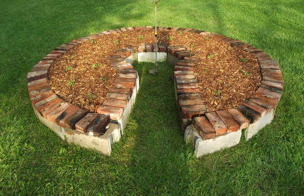 keyhole garden - www_instructables_com