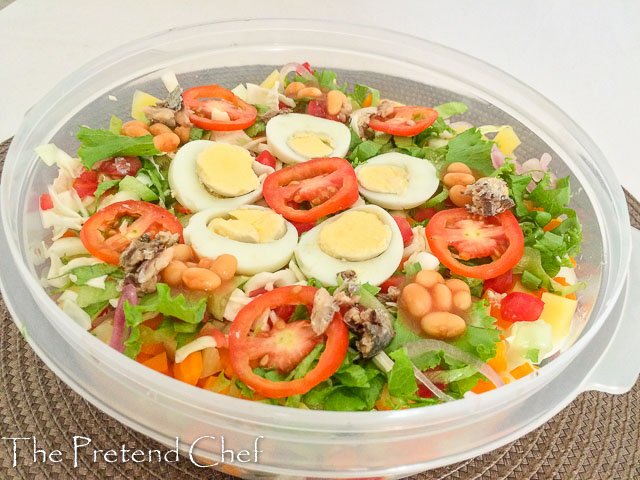 Fresh and nutritious Nigerian vegetable salad