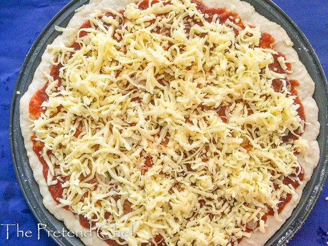 pizza with cheese topping for How to make homemade pizza