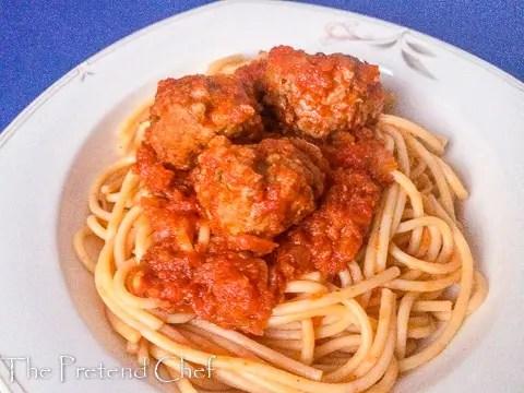 Delectable Spaghetti and meatballs in fresh tomato sauce