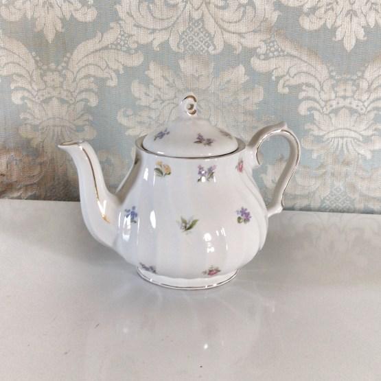 vintage teapot hire