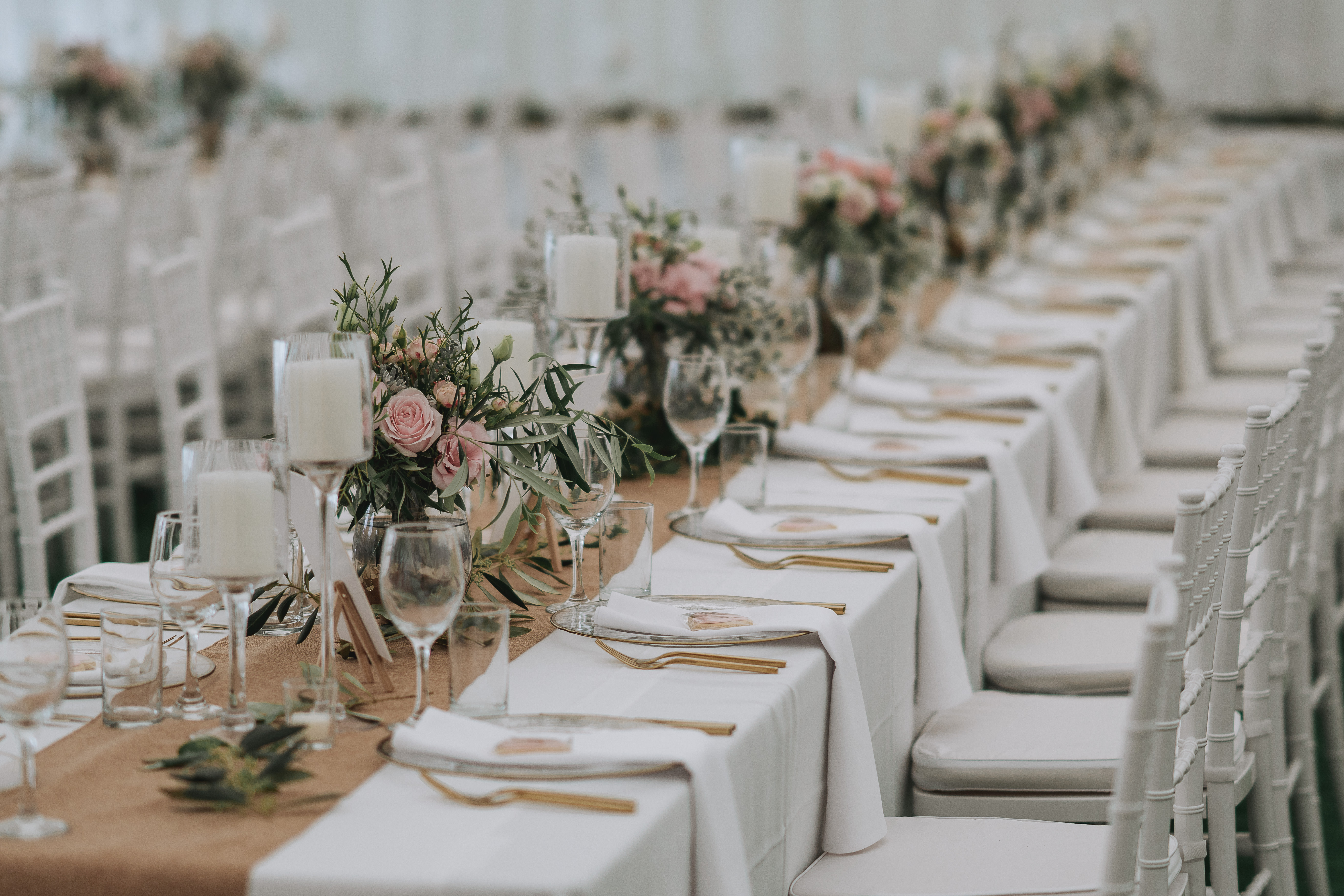 Thin rim charger plate gold the pretty prop shop wedding and gold cutlery and charger plate hire nz junglespirit Image collections