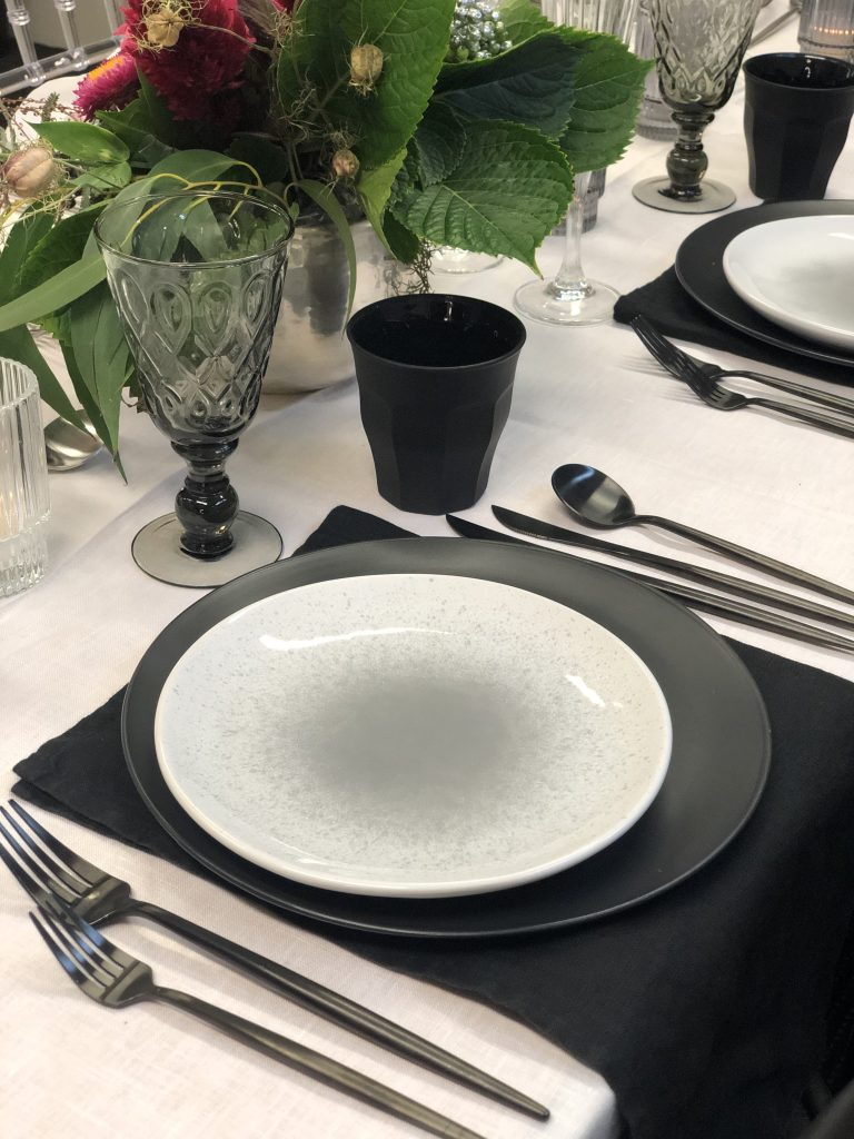black napkin hire nz