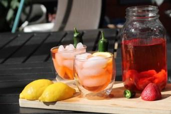 Paleo Strawberry Jalapeno Iced Tea - www.ThePrimalDesire.com