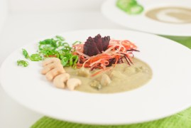 Green Curry Broccoli Soup brings some exciting flavor to a classic vegetable soup (2 versions) http://wp.me/p4Aygm-1Vi