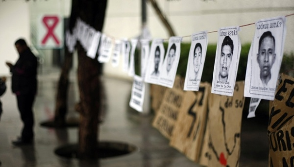 ayotzinapa-estudiantes-protesta.jpg_1718483346