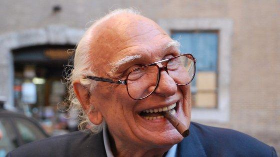 """E' morto Marco Pannella. Aveva 86 anni. Renzi: """"Leone della libertà"""". Vaticano: """"Stima per il suo impegno generoso"""""""