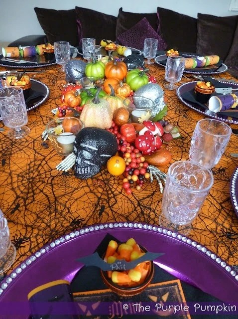 halloween-dinner-table-the-purple-pumpkin-blogspot11