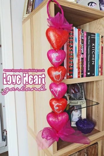 valetines-day-love-heart-garland