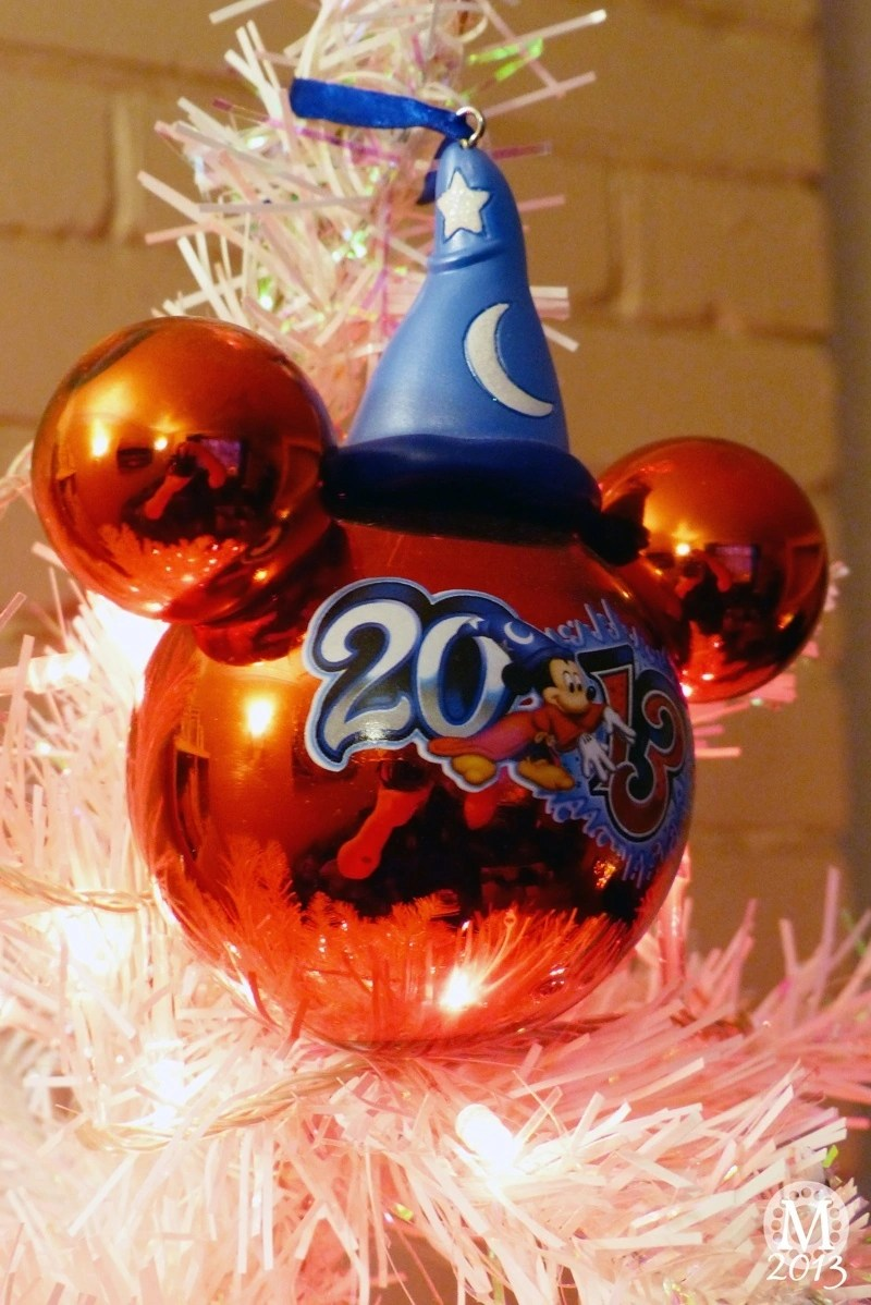mickey mouse christmas decoration - Mickey Mouse Christmas Party Decorations