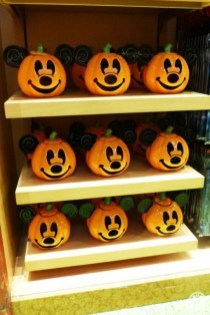 disney-halloween-merchandise10