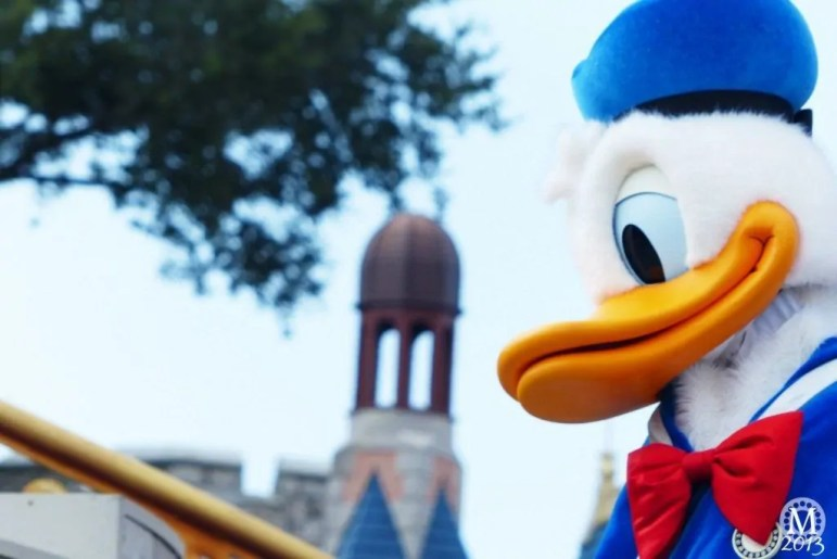 Donald Duck - Dream Along With Mickey