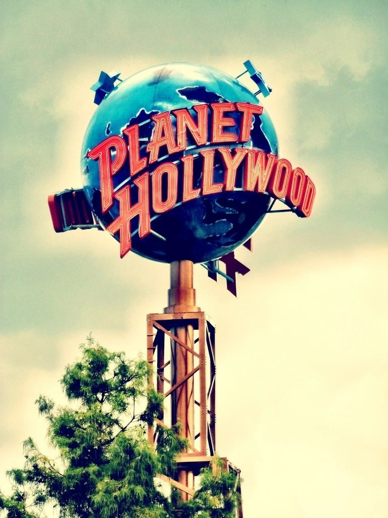 planet-hollywood-sign