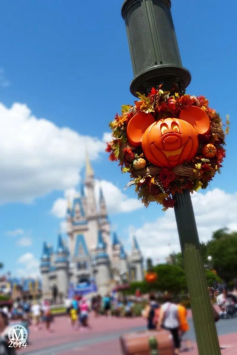 Mickey Mouse Halloween Wreath
