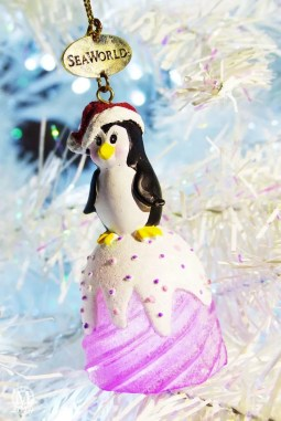 SeaWorld Penguin Christmas Ornament