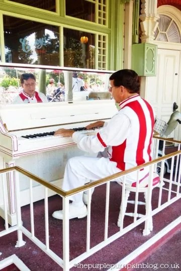 Piano Man at Magic Kingdom