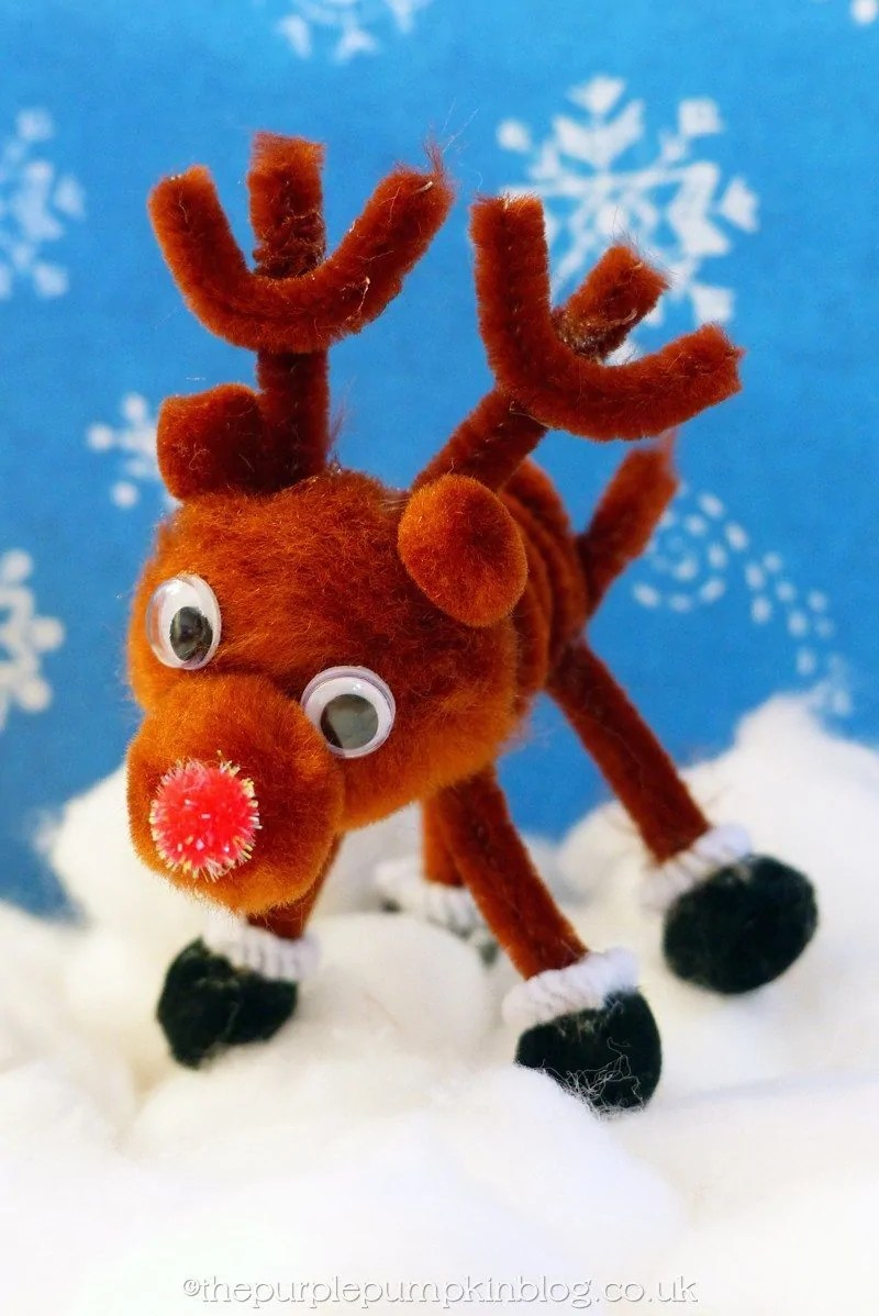 Pipe Cleaner and Pompom Reindeer Craft (11)
