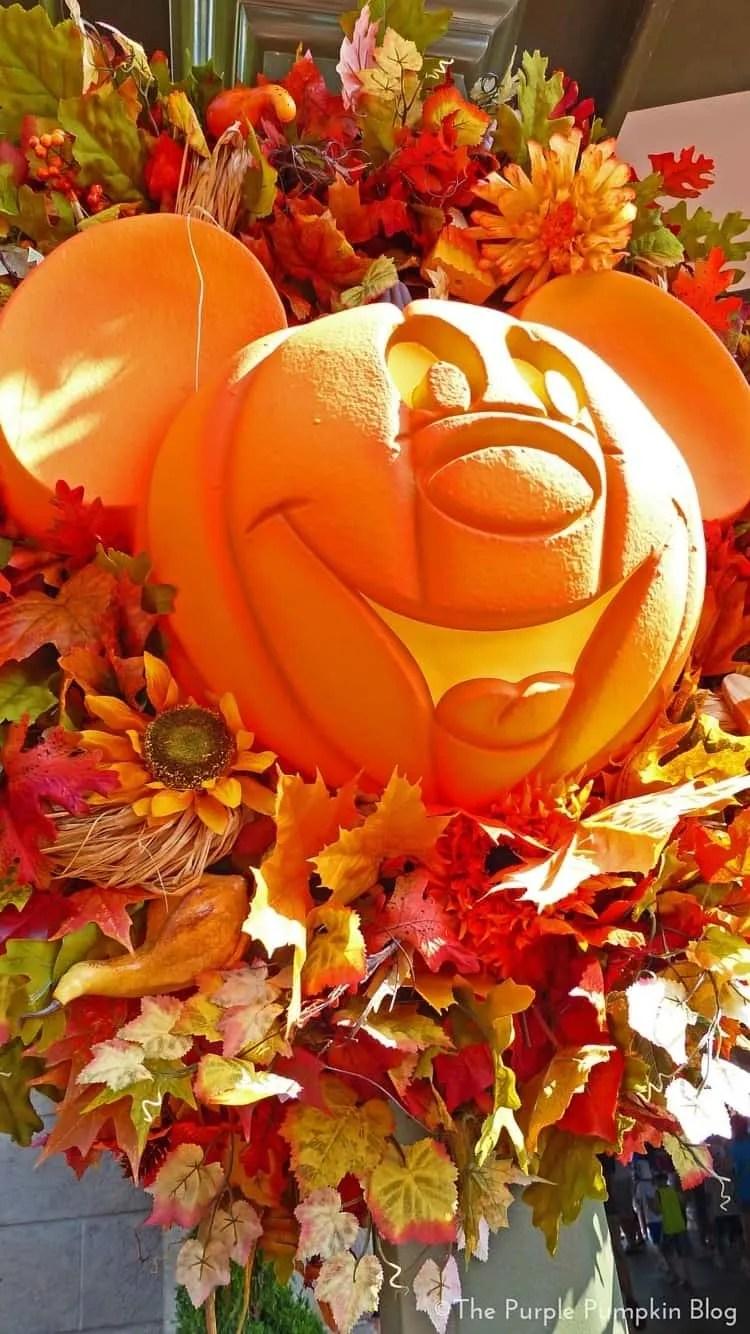 Download Wallpaper Halloween Ios - Disney-Halloween-iPhone-Wallpapers3  Picture_661922.jpg?resize\u003d750%2C1334