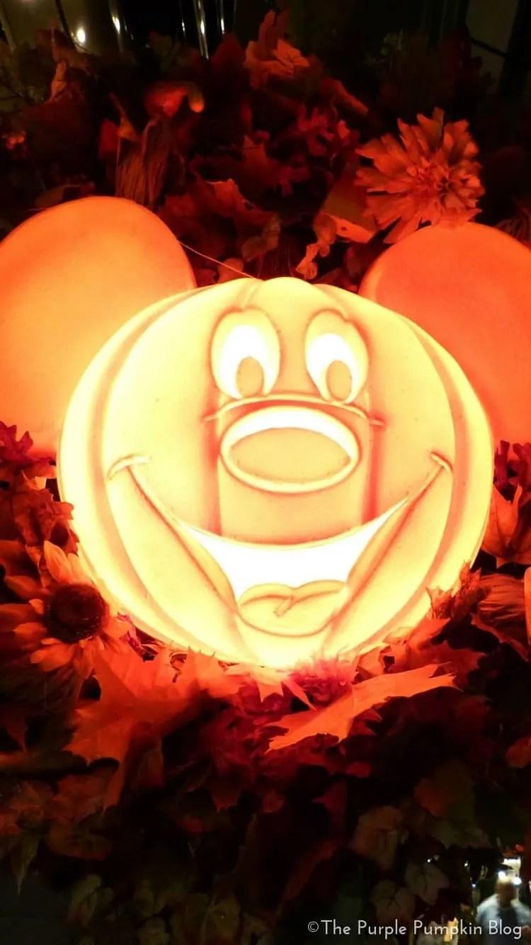 Download Wallpaper Halloween Iphone - Disney-Halloween-iPhone-Wallpapers4  Pictures_648532.jpg