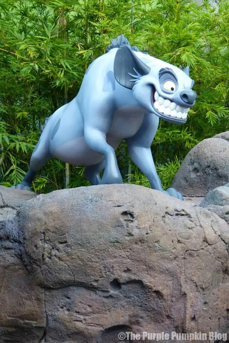 Disney Art of Animation - The Lion King Courtyard - Banzai Statue