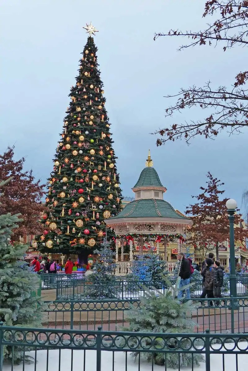 Christmas Tree - Disneyland Paris