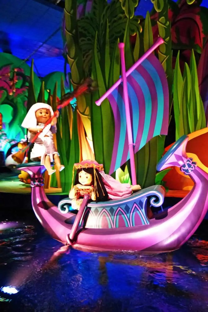 its a small world - Disneyland Paris