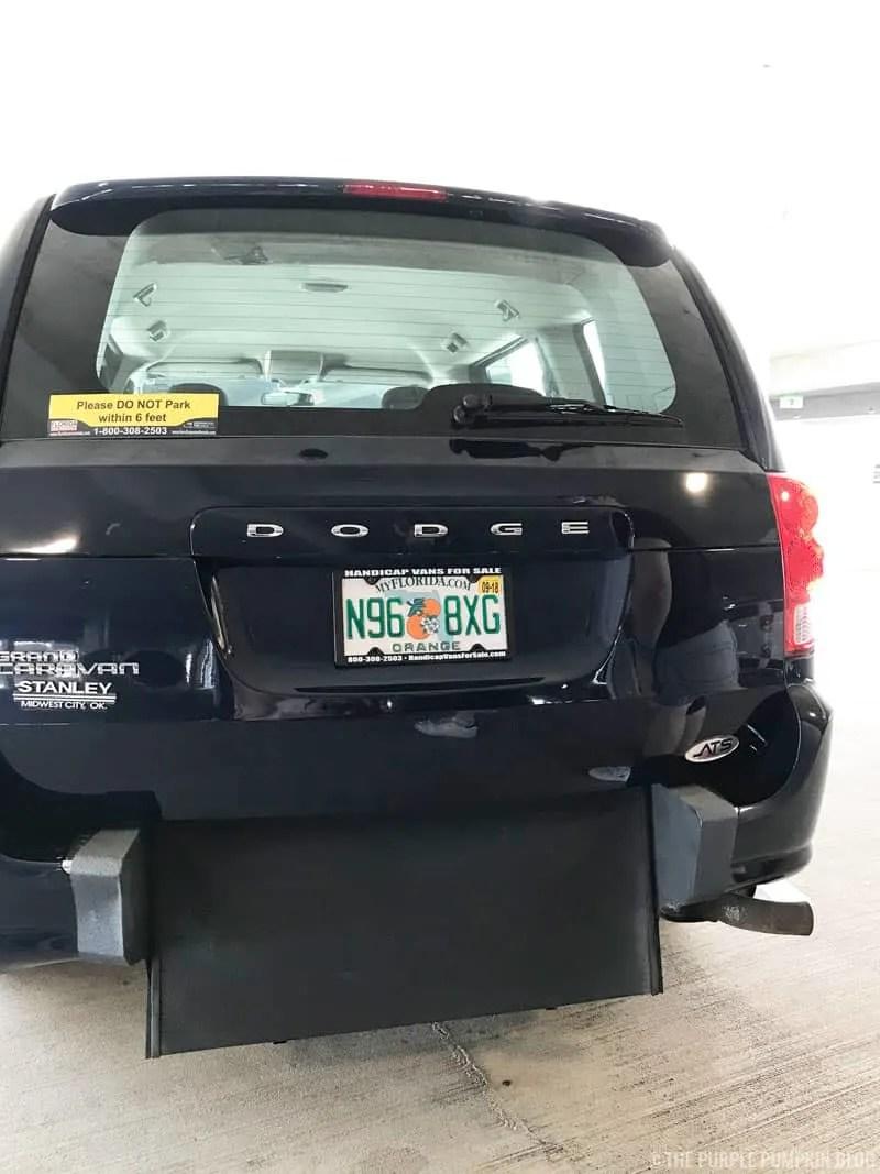 12 & 15 Passenger Van Rental Orlando, FL   Sixt Van Rental