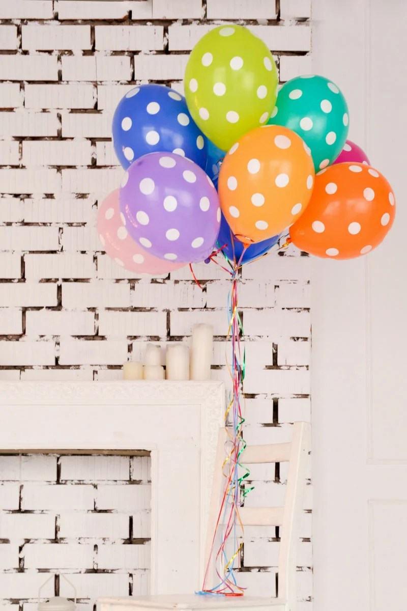 How to Be the Perfect Host on a Budget – 6 Money-Saving Party Ideas