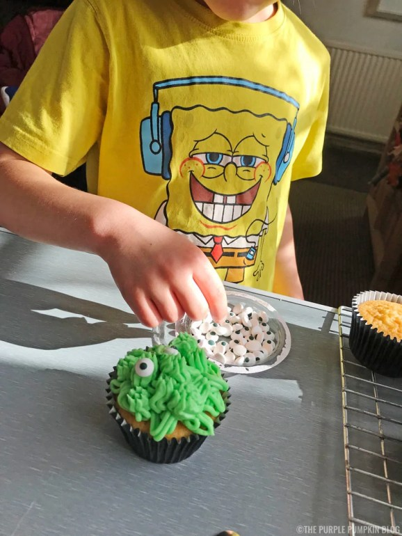 Scary-Cute Monster Cupcakes for Halloween or a Monster Party (11)