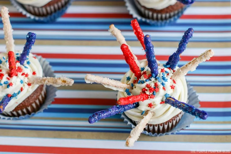 Sparkly candy fireworks cupcakes