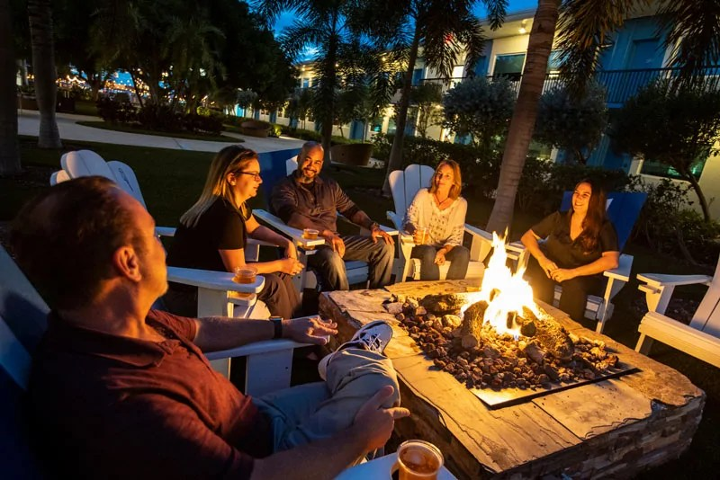 Post-Card-Inn_St-Pete-Beach_Florida_113018_004