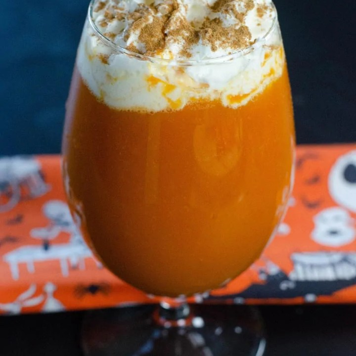 a glass of pumpkin pie punch