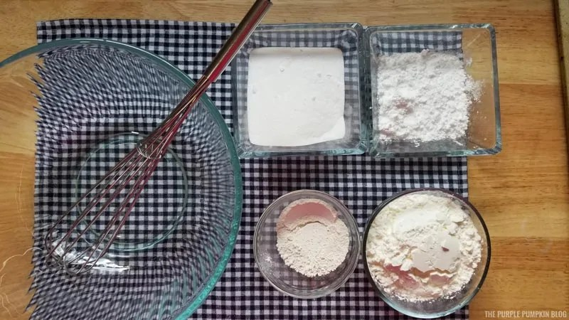 Dry ingredients for cupcake bath bombs
