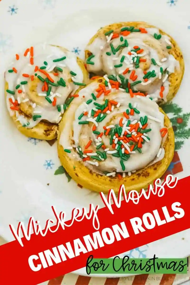 Mickey-Mouse-Cinnamon-Rolls-for-Christmas