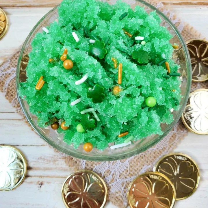How to make Green St. Patrick's Day Sugar Scrub