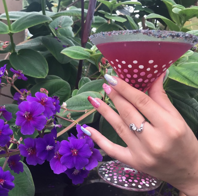Berry Delicious Martini. (I'm admitting it right now- I had to use my daughter KT as the hand model. WTF has happened to my hands? They look 100!)