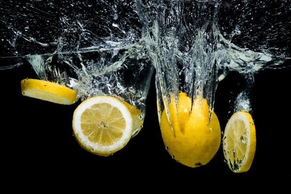 Lemons in Midair