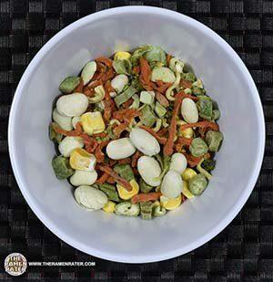 VV!: Nissin Cup Noodles Very Veggie Chicken Flavor Ramen Noodle Soup
