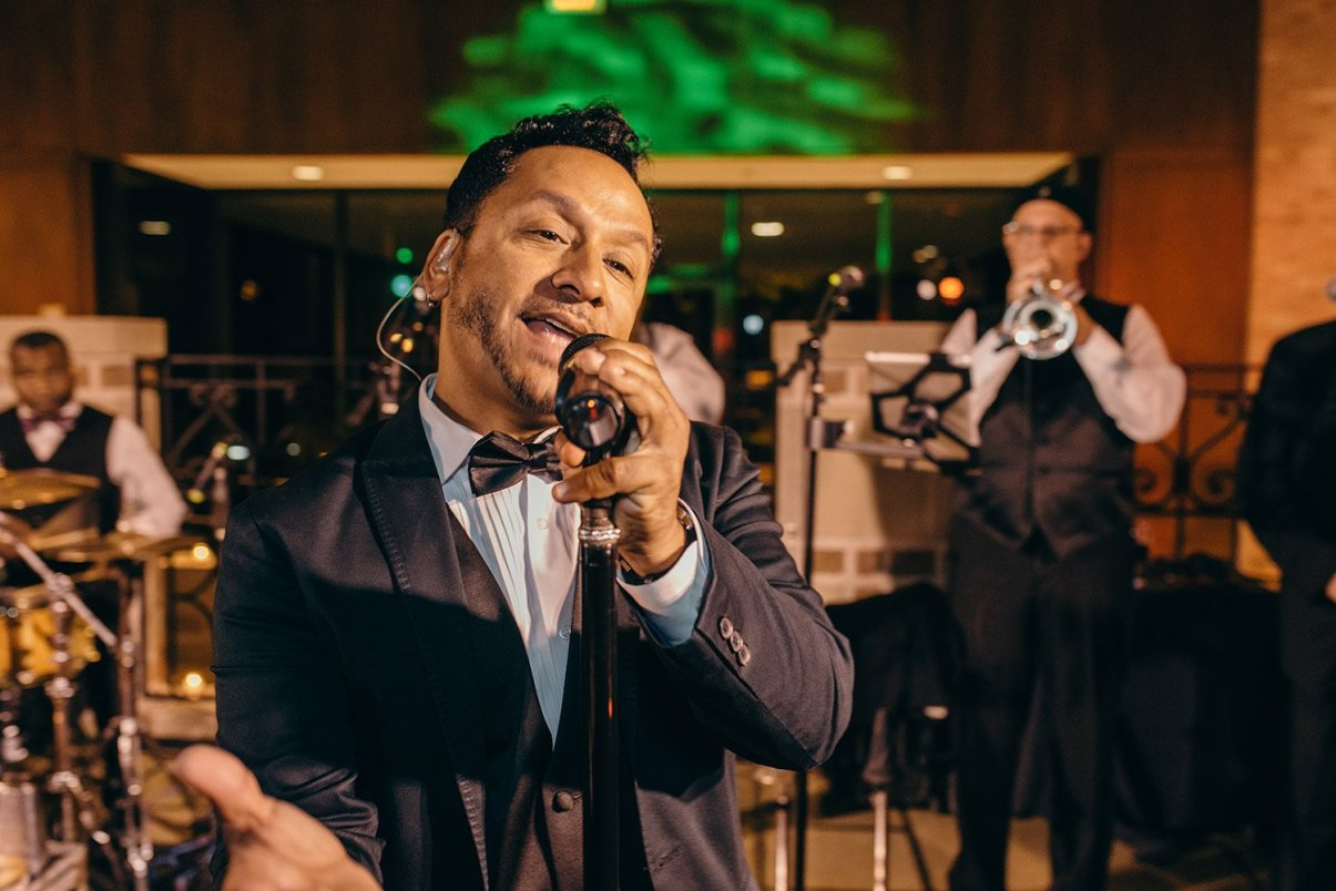 singer at rice university wedding reception