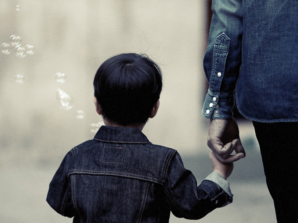 Thérapie d'enfant, comment les parents interviennent-ils ?