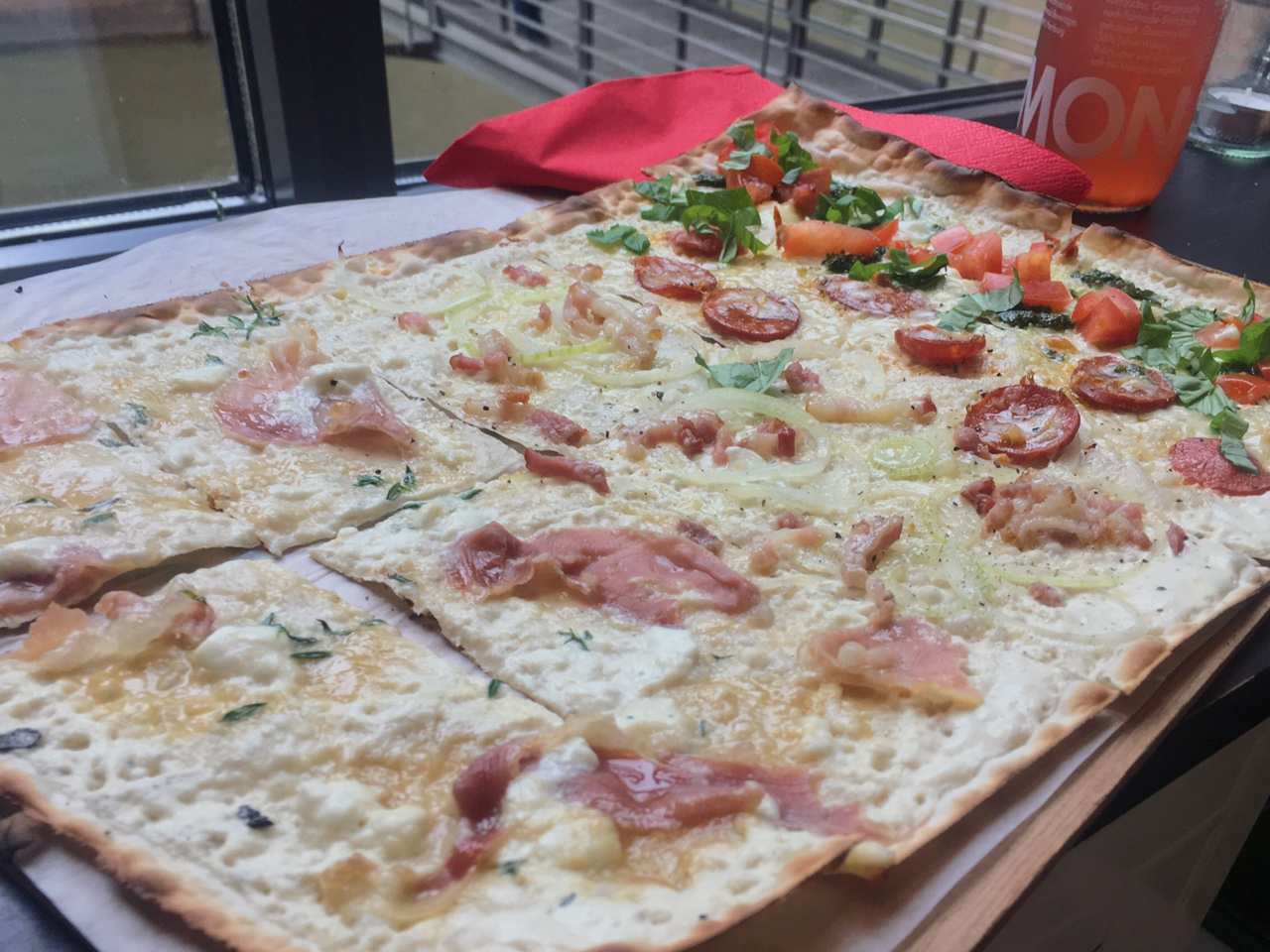 Grand pizza at Flamm'Hus (Best places to eat in Hamburg)