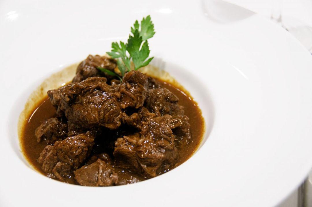 Carbonnade à la Flamande/Stoofvlees| Eat Like a Local | Belgium