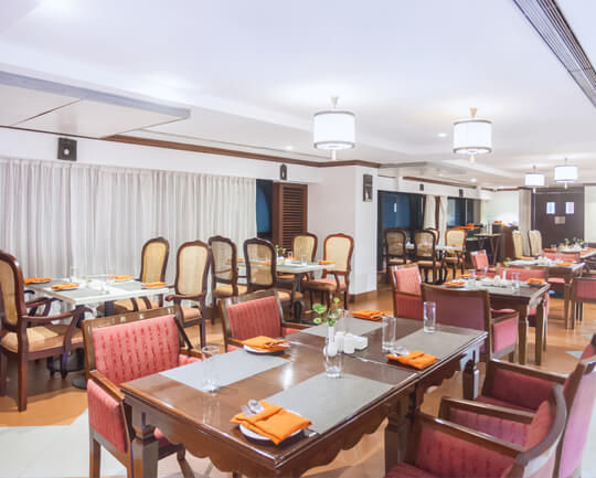 The Raviz Calicut Dining