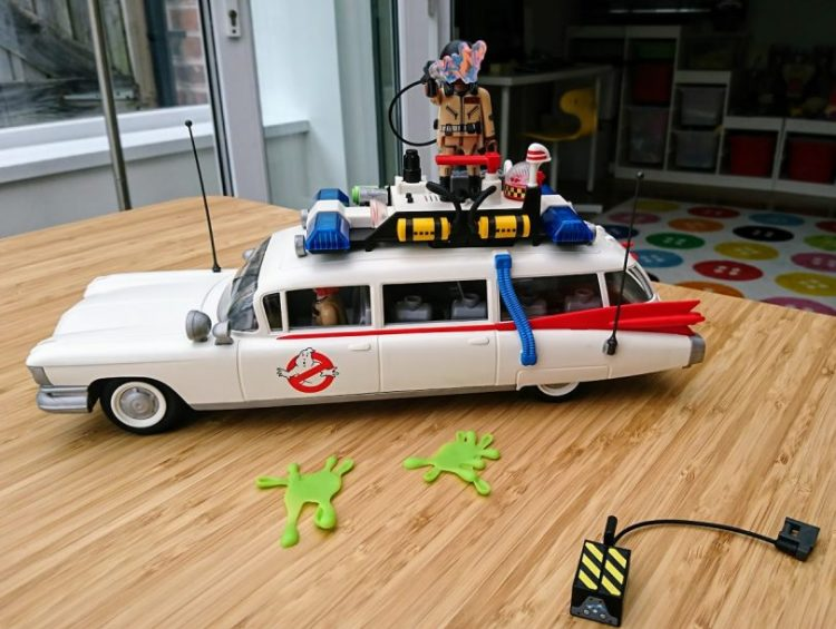 Playmobil Ghostbusters Ecto-1 side