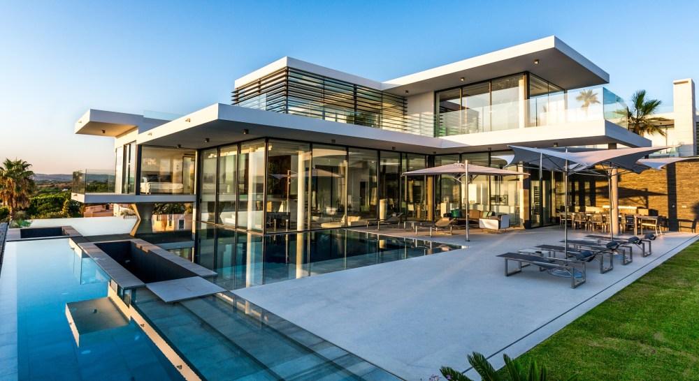 Villa Bond