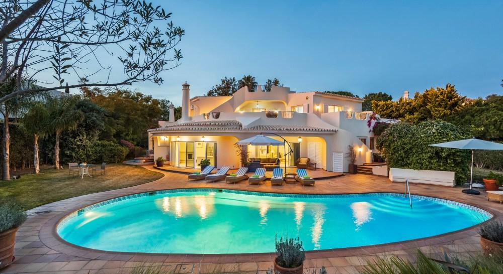 the benefits of a villa holiday luxury algarve villa
