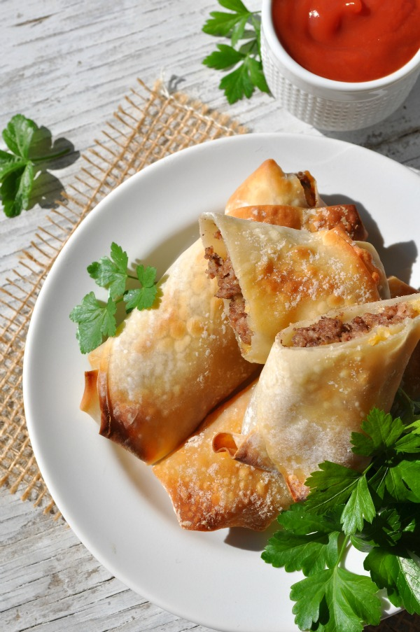 Skinny-Baked-Bacon-Cheeseburger-Egg-Rolls-6