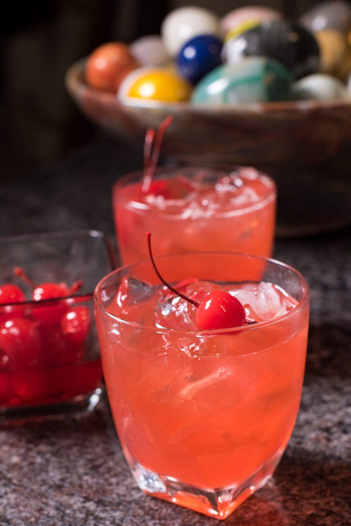 This holiday cocktail is a must! Basic ingredients and oh so deliciously festive!   The Recipe Wench