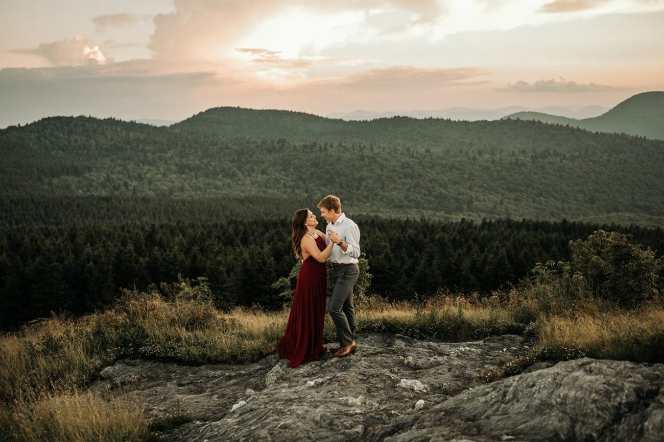 adventurous-engagement-photography