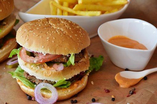 TV ads 'make teens crave junk food'